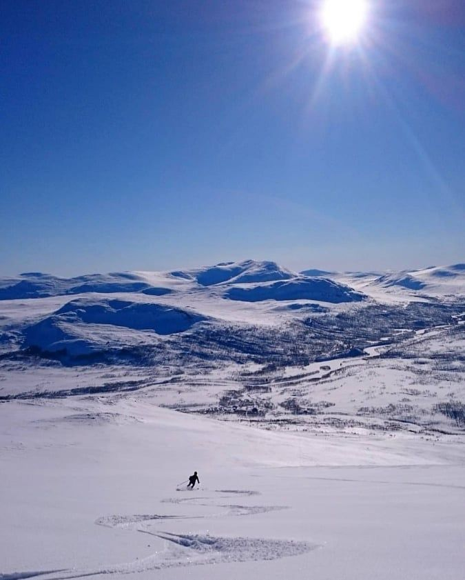 Skitouring and Cross Country Skiing